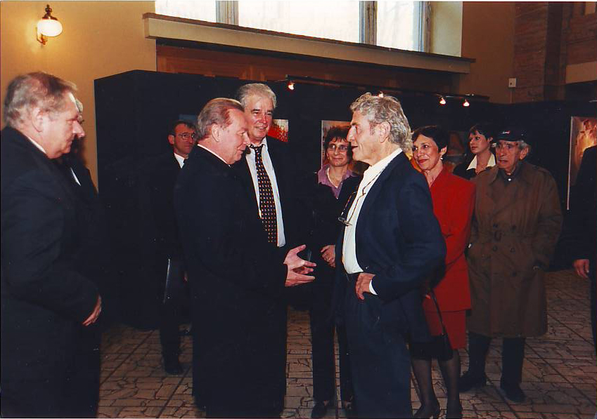 Benjanim Shiff Meets Rudolph Shuster, President Of The Slovak Republic, 2002